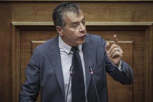 Σταύρος Θεοδωράκης: Υπουργείο προστασίας… κουκουλοφόρων