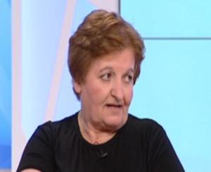 44 χρόνια ψάχνει τον χαμένο γιο της! Επιχειρηματίας δίνει 10.000 ευρώ σε όποιον την βοηθήσει να τον βρει [vid]