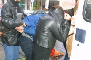 Θεσσαλονίκη: Έκλεισαν στο πορτ μπαγκάζ 4 άτομα – Άφωνοι οι αστυνομικοί κατά τη διάρκεια του ελέγχου!