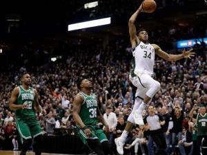 NBA: Νίκησε τους πάντες ο Αντετοκούνμπο! Πάνω και από τον Λεμπρόν το κάρφωμά του – video