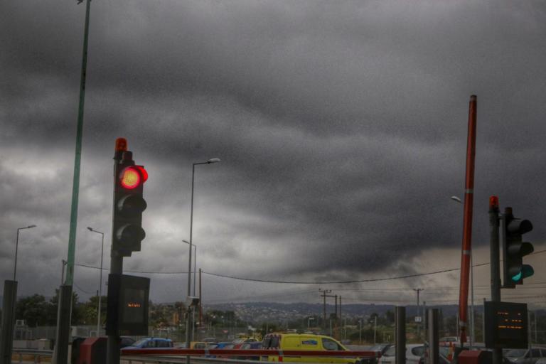 Καιρός: Κακοκαιρία παντού! Βροχές, καταιγίδες, χαλαζοπτώσεις και θυελλώδεις άνεμοι