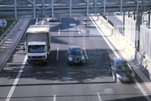 Κλειστή η έξοδος της Αττικής Οδού προς Ελευσίνα – Φορτηγό στις φλόγες