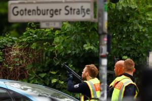 Λήξη συναγερμού στο σχολείο στο Βερολίνο – Απίστευτη κινητοποίηση της αστυνομίας
