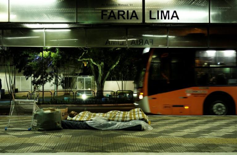 Γαλλία: 15χρονος έμενε σε μηχανή λεωφορείου στη προσπάθεια του για μια καλύτερη ζωή | Newsit.gr
