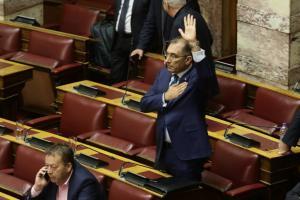 Δ. Καμμένος: Κάντε πρόταση μομφής για να φύγω από αντιπρόεδρος της Βουλής – Να παραιτηθεί η Κοινοβουλευτική ομάδα των ΑΝΕΛ