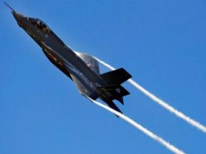 F-35: Πουλήθηκαν 300 «κομμάτια» – Τα… χίλιασαν τα ελαττώματα!