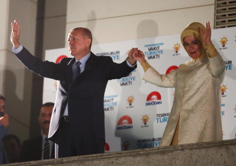 Τουρκία Εκλογές: Ακούραστος… Ερντογάν, μίλησε τα ξημερώματα στην Άγκυρα [pics, vids] | Newsit.gr