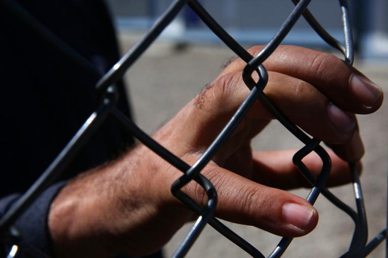 Βρετανία: 21 Βιετναμέζοι μετανάστες βρέθηκαν μέσα σε φορτηγό