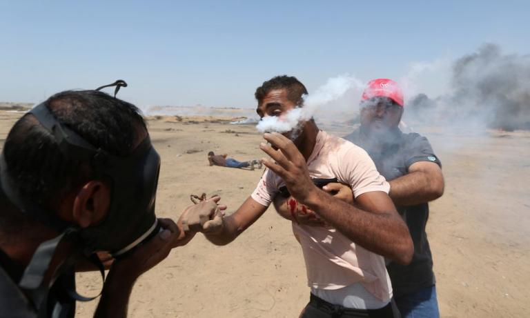 Γάζα: Χάος και εικόνες σοκ! Αίματα, φωτιές, πυρά και τουλάχιστον 100 τραυματίες | Newsit.gr