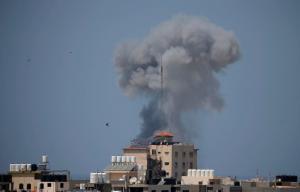 Νέοι βομβαρδισμοί στη Γάζα – Το Ισραήλ έπληξε 12 στόχους της Χαμάς σε αντίποινα για τις ρουκέτες