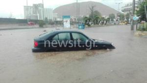 """Κατακλυσμός και στο Κερατσίνι – """"Ποτάμια"""" οι δρόμοι [pics, vid]"""
