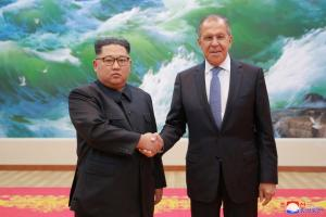 «Ψήνεται» συνάντηση Κιμ Γιονγκ Ουν με Πούτιν