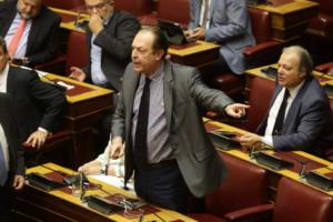 Μαξίμου για Λαζαρίδη: Συμφέροντα σε Πειραιά και Θεσσαλονίκη απεργάζονται σχέδιο νεας αποστασίας