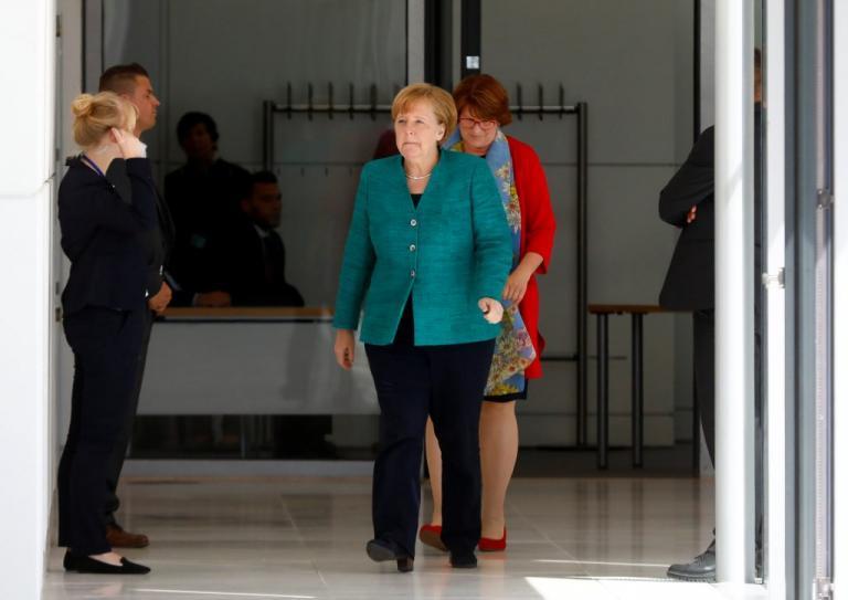 Reuters: Οι γερμανοί ετοιμάζουν μαξιλάρι ασφαλείας 15 δισ στην Ελλάδα για να μην βγει στις αγορές