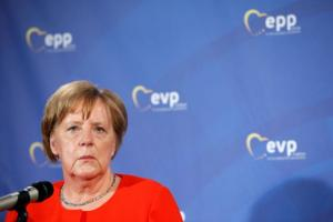 Δημοσκόπηση κόλαφος για Μέρκελ: Δυο στους 5 θέλουν να παραιτηθεί
