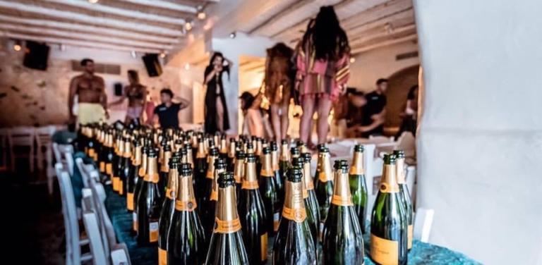 «Λουκέτο» στο Nammos για φοροδιαφυγή 73.000 ευρώ! Η ΑΑΔΕ… κατέστρεψε το φαντασμαγορικό opening | Newsit.gr