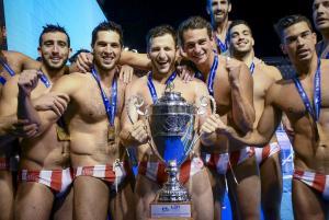 Μάγκας Ολυμπιακός στο πόλο! Έγραψε ιστορία στην Γένοβα κατακτώντας το Champions League