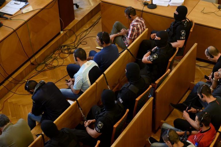 Ουγγαρία: 25 χρόνια φυλακή στους διακινητές που άφησαν 71 μετανάστες να πεθάνουν μέσα σε φορτηγό | Newsit.gr