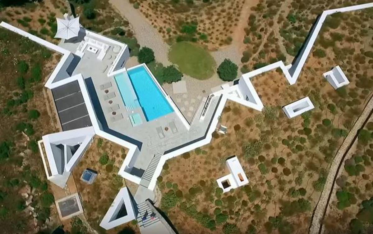 Αντίπαρος: Εκεί βρίσκεται το πιο εντυπωσιακό υπόγειο σπίτι | Newsit.gr
