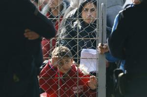 """Η Μέρκελ θέλει αποθήκη προσφύγων την Ελλάδα – """"Στρατόπεδα συγκέντρωσης"""" στα Βαλκάνια"""