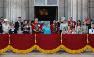 Βασίλισσα Ελισάβετ: Εντυπωσιακός εορτασμός των γενεθλίων της με… απρόοπτα και Μέγκαν Μαρκλ