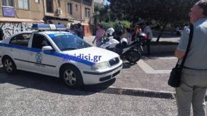 Αγρίνιο: Απειλούσε να ρίξει βρέφος από το μπαλκόνι της πολυκατοικίας – Πανικός στο κέντρο [pics]