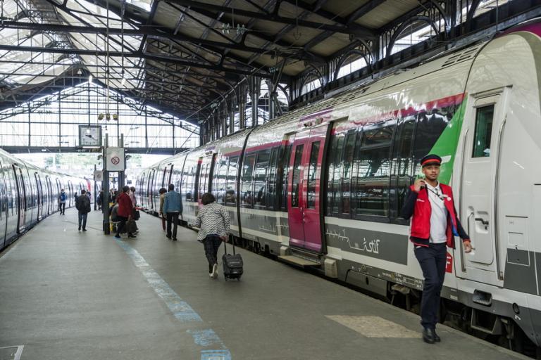 Γαλλία: Ψηφίστηκε ο «πολύκροτος» νόμος για τους σιδηροδρομικούς | Newsit.gr