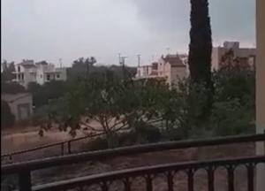"""Κρήτη: Άνοιξαν οι ουρανοί σε Ηράκλειο και Λασίθι – Νερό με το τουλούμι λόγω """"Μίνωα"""" [vid]"""