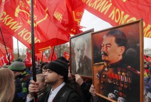 Λένιν – Στάλιν «απειλούν» και πάλι τον Τσάρο