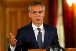 """Μήνυμα Στόλτενμπεργκ στα Σκόπια: Πλήρης ένταξη στο ΝΑΤΟ μόνο με """"ναι"""" στο δημοψήφισμα"""