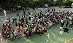 Εξοργιστικό περιστατικό σε δημοτικό σχολείο στην Αθήνα! Χτύπησαν γονείς μπροστά στα παιδιά επειδή τους βοηθούσαν Πακιστανοί