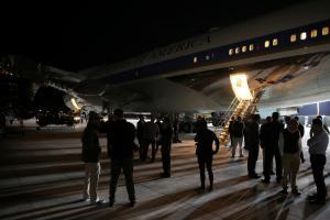 Στην Κρήτη ο Ντόναλντ Τραμπ! «Αστακός» η Σούδα για το Air Force One! [vids, pics]