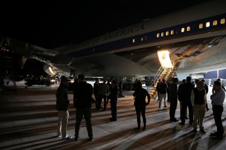 Στην Κρήτη ο Ντόναλντ Τραμπ! «Αστακός» η Σούδα για το Air Force One! [vids, pics] | Newsit.gr