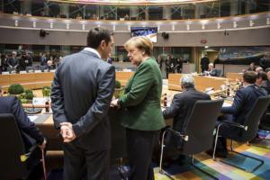 «Ναι» της Bundestag στη συμφωνία για το ελληνικό χρέος – «Πανηγυρίζει» και η Bild