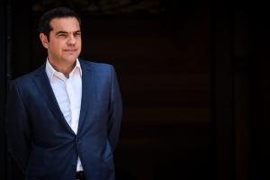 Τσίπρας: Συγχαρητήρια και… «αίτημα» στον Σάντσεθ για το ελληνικό χρέος