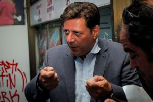 """Βαρβιτσιώτης: """"Επίθεση στην Δημοκρατία το χτύπημα στο γραφείο μου""""! [vid, pics]"""