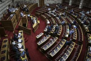 Πολυνομοσχέδιο: Ψηφίστηκε επί της αρχής – Μπέρδεμα με την Ένωση Κεντρώων – Χαμός στην ακρόαση των φορέων