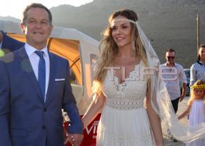 Γιώργος Χρανιώτης: Παντρεύτηκε την αγαπημένη του στην Τήνο! Αποκλειστικές φωτογραφίες