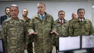 Απειλεί ο Τούρκος υπουργός Άμυνας: Δεν θα επιτρέψουμε τετελεσμένα και βυζαντινά παιχνίδια