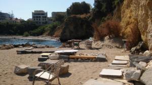 Χανιά: Βουτιά θανάτου για μία γυναίκα – Συγκλονίζει η αυτοκτονία σερβιτόρου σε παραλία [pics]