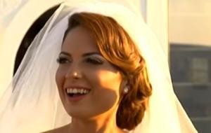 Κρήτη: Ντύθηκε νύφη η παρουσιάστρια Νικολέτα Σφακιανάκη – Ο γάμος και οι στιγμές συγκίνησης – video