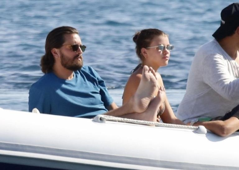 Scott Disick: Ο πρώην της Kardashian στην Μύκονο με την 19χρονη σύντροφό του! [pics] | Newsit.gr