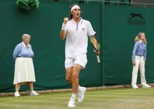 "Wimbledon: Γράφει ιστορία ο Τσιτσιπάς! Προκρίθηκε στους ""16"" ο Έλληνας τενίστας"