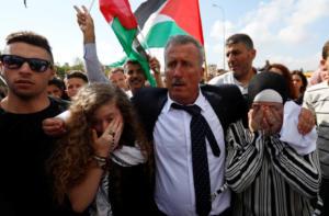 Ελεύθερη μετά από 8 μήνες στη φυλακή η έφηβη Παλαιστίνια Άχεντ Ταμίμι