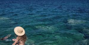 Χαλκιδική: Θρίλερ με εξαφάνιση ιερέα – Έπεσε για μπάνιο στη θάλασσα και χάθηκε μυστηριωδώς [vids]