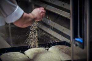 Θεσσαλονίκη: Εκβίαζαν τον φούρναρη γιατί τάχα «κάτι βρήκαν στο ψωμί»!