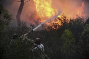 Χανιά: Εκκενώθηκε οικισμός για τη μεγάλη φωτιά – Σε νοσοκομεία μία έγκυος και τρία παιδιά!