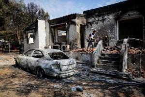 Τα μισά κτίσματα με ζημιές ή κατεδαφιστέα από τη φονική πυρκαγιά στην Ανατολική Αττική