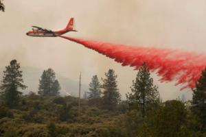 Φονικές πυρκαγιές και στην Καλιφόρνια – Τουλάχιστον τρεις νεκροί κι εννέα αγνοούμενοι! [pics]