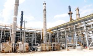 Μάχη για δύο η πώληση του 50,1% των Ελληνικών Πετρελαίων